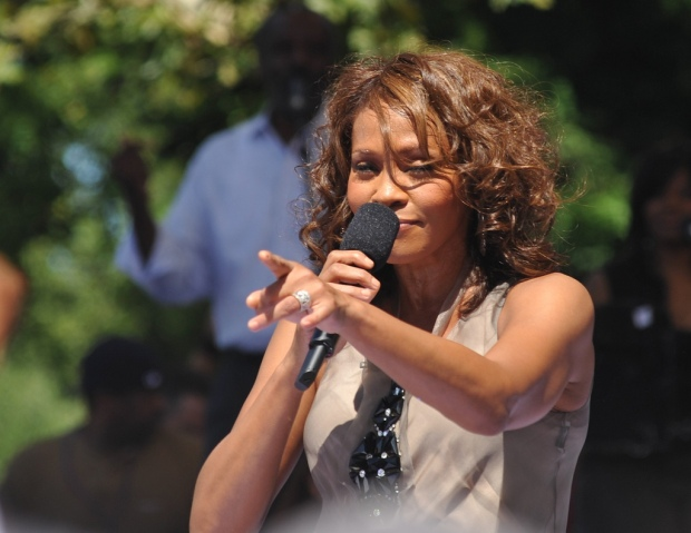 whitney houston singing 2009