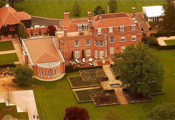Victoria And David Beckham To Sell Their British Mansion!