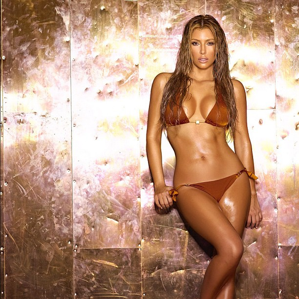 Kardashian shows off her sexy bikini body off luke williams gossip