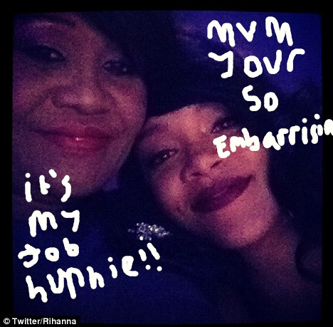Rihanna Cringes Over Her Mums Jokes About Ashton Kutcher!