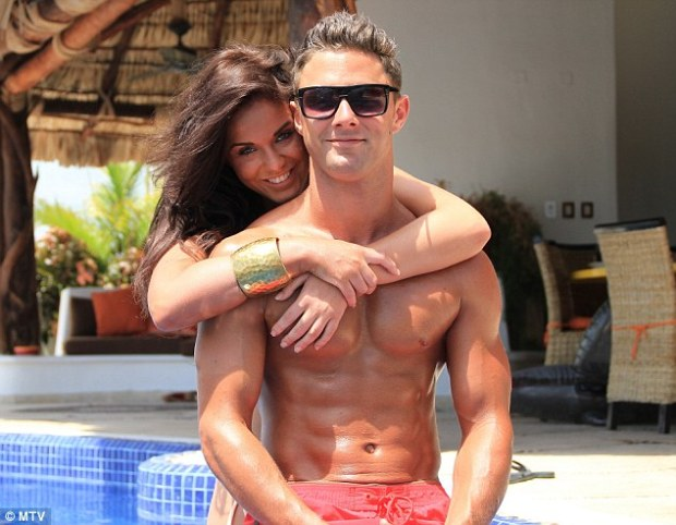 Geordie Shore's Vicky And Ricci Get Engaged