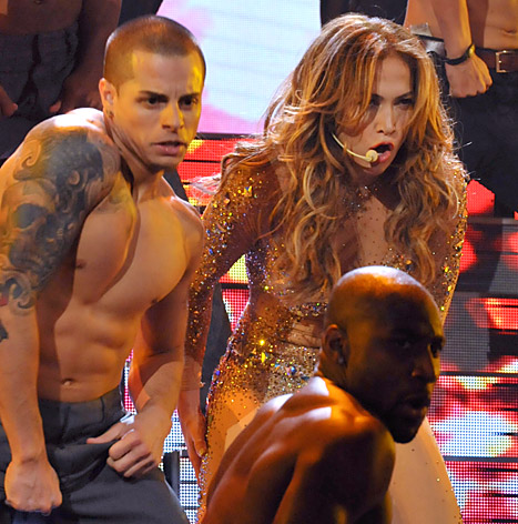 jennifer-lopez-casper-smart-performing