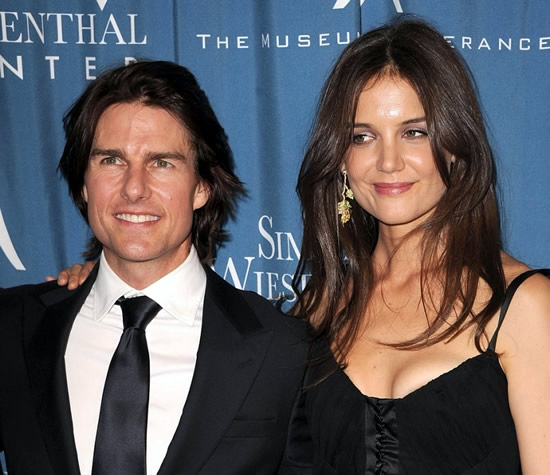 Katie Holmes Moves All Of Her Stuff Out Of Tom Cruise's House!