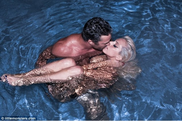 Lady Gaga Tweets ANOTHER Naked Photo Of Her In Swimming Pool Kissing Boyfriend Taylor Kinney