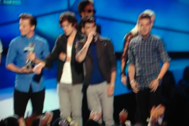 ONE DIRECTION VMAS 2012