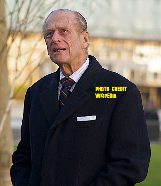 Prince Phillip looking at City Hall, November 2008