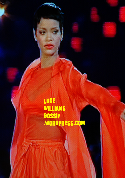 Rihanna Performs At The Closing Paralympic Games 2