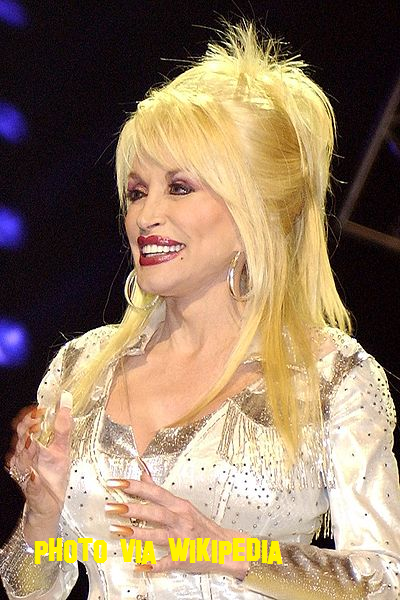 Dolly Parton Would Love To Work On The Voice!