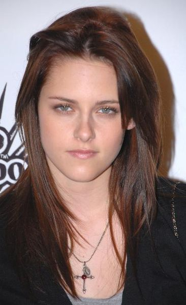 Kristen Stewart Spotted Out With No Robert Pattinson As She Goes To Watch Ellie Goulding's Show