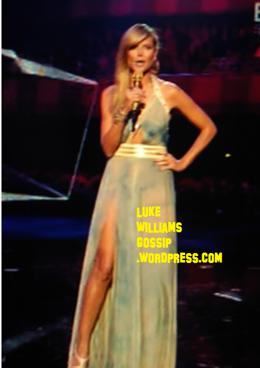 Heidi Klum Shocks As She Presents The MTV Europe Music Awards In Relieving Dresses 6