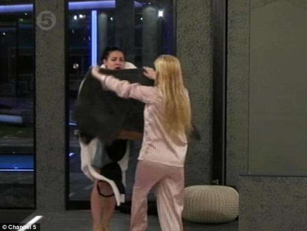 Lacey Banghard Goes Naked In Big Brother! Is It To Save Herself From The Public Vote