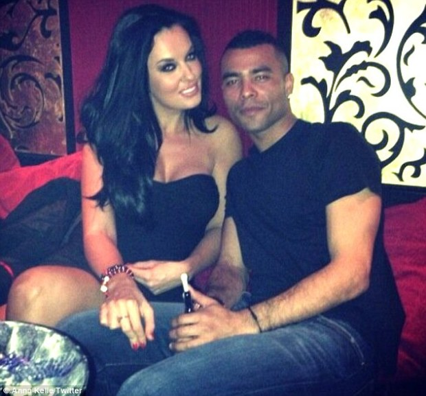 http://lukewilliamsgossip.files.wordpress.com/2013/02/ashley-cole-dating-the-valleys-star-anna-kelle.jpg?w=620