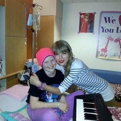 Taylor Swift Visits Hospital To Make A Little Girl's Dream Come True!