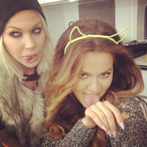 Khloe-Kardashian-Meow-Meow-Perfect-Picture-with-Joyce-Bonelli-580x580