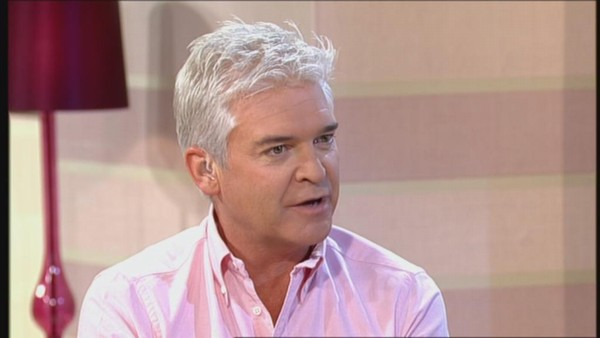 phillip schofield hit s out at the daily mail for the. Black Bedroom Furniture Sets. Home Design Ideas