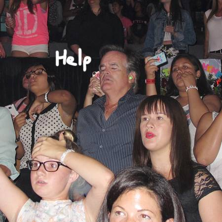 Daughter Drags Her Dad To A One Direction Concert And Falls A Sleep During The Show!!